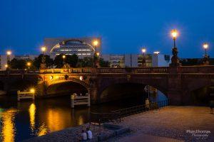 Berlin: Kanzleramt am späten Abend