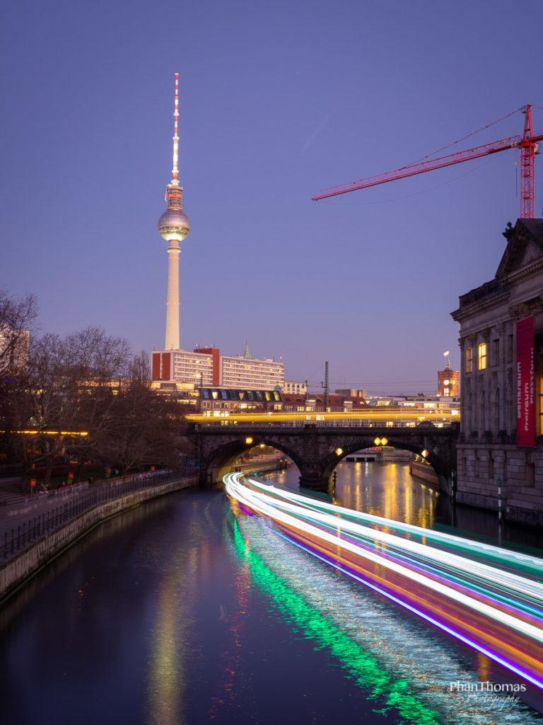 Berlin Mitte: Bunte Spree