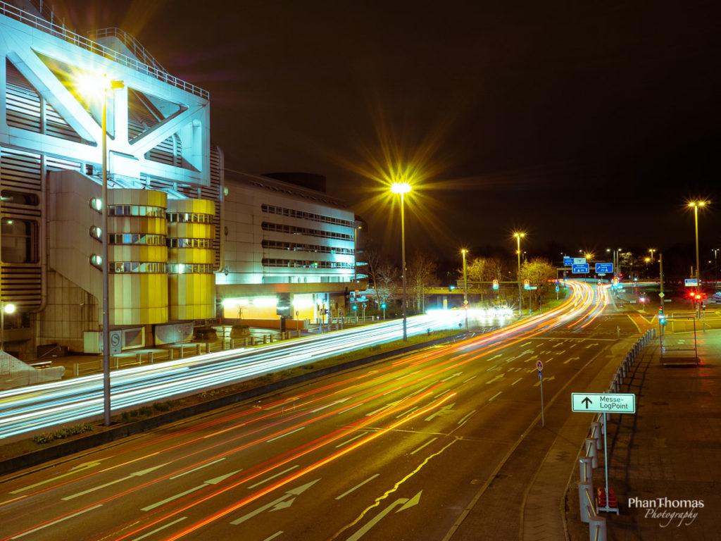 Berliner Funkturm: Das ICC von der Brücke aus