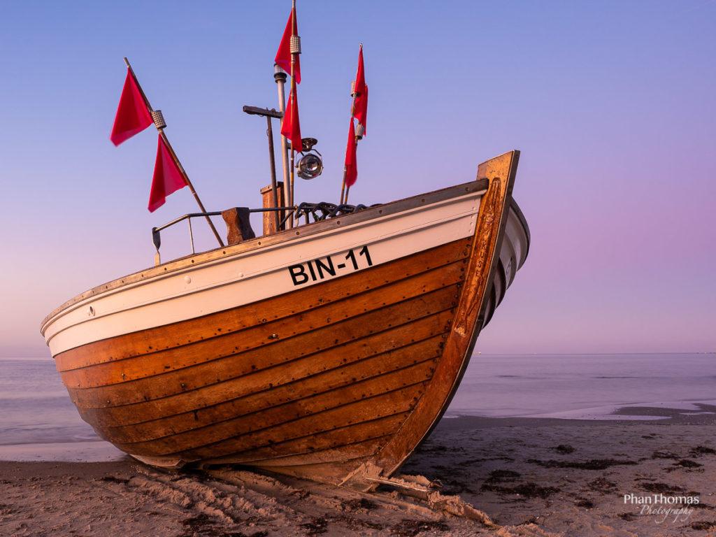 Binz: Boot im Abendlicht